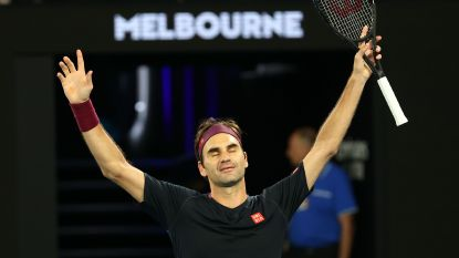 Roger Federer op rand van uitschakeling, maar stoot alsnog door op Australian Open na straffe comeback in supertiebreak