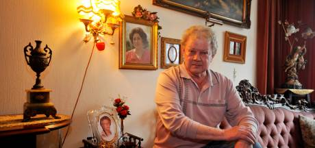 In Memoriam: Tilburgse Jan was de zoon die de Zangeres Zonder Naam nooit had