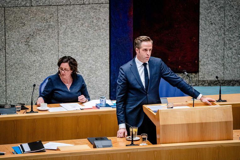 Demissionair minister Hugo de Jonge van Volksgezondheid, Welzijn en Sport en demissionair minister Tamara van Ark voor Medische Zorg. Beeld ANP