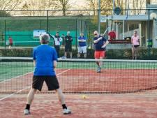 75 jaar, maar tennisvereniging De Witte Raven viert het feest voorlopig klein