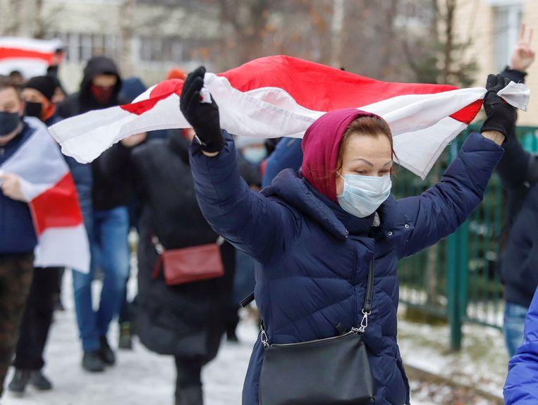 Demonstranten op straat in Minsk.  Beeld REUTERS
