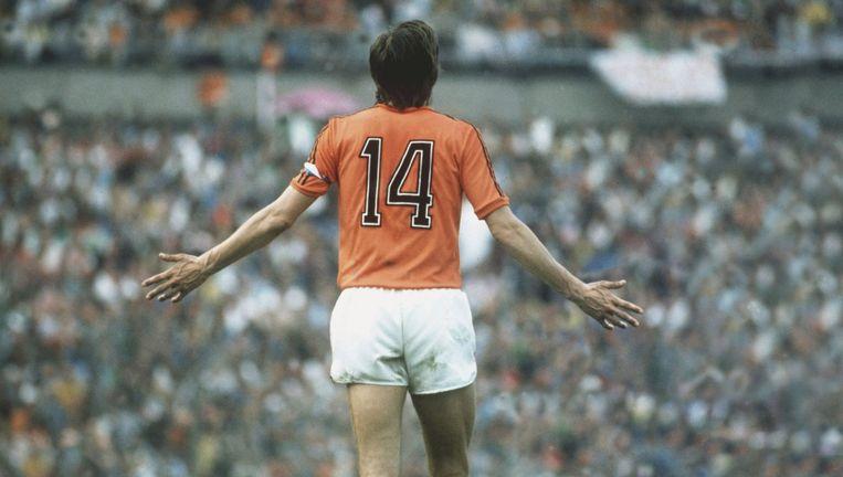 Johan Cruijff als international: `Zonder de bal kun je nooit verliezen.' Beeld ANP / Guus de Jong