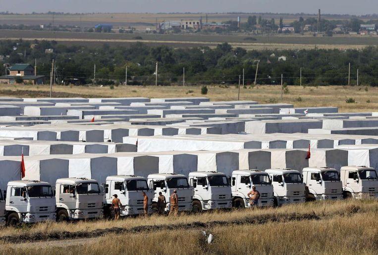 Het militair konvooi van de Russen voor de grens met Oekraïne Beeld reuters