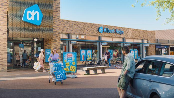 De AH-vestiging in het Nieuwegeinse winkelcentrum Hoogzandveld is achtergrond in een reclame van de Albert Heijn.