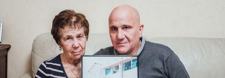 'Louis wilde zo graag op avontuur gaan': Joseph Plescia en Annina Gatto. Beeld Wouter Van Vaerenbergh