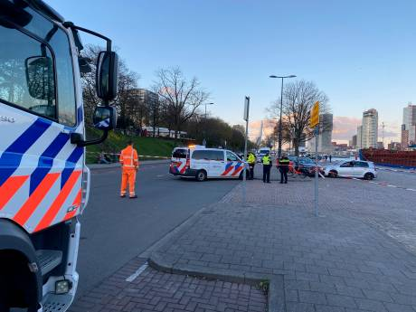 Zandzakken en drempels moeten straatracers weren van Rotterdamse Parkkade