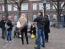 Kleine opkomst na oproep Talitha Muusse om naar Den Haag te komen vanwege Omtzigt-gate