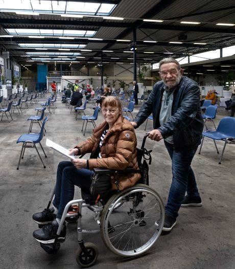 Helmond heeft een nieuwe prikfabriek: 900 prikken per uur in vijfduizend bovenarmen per dag