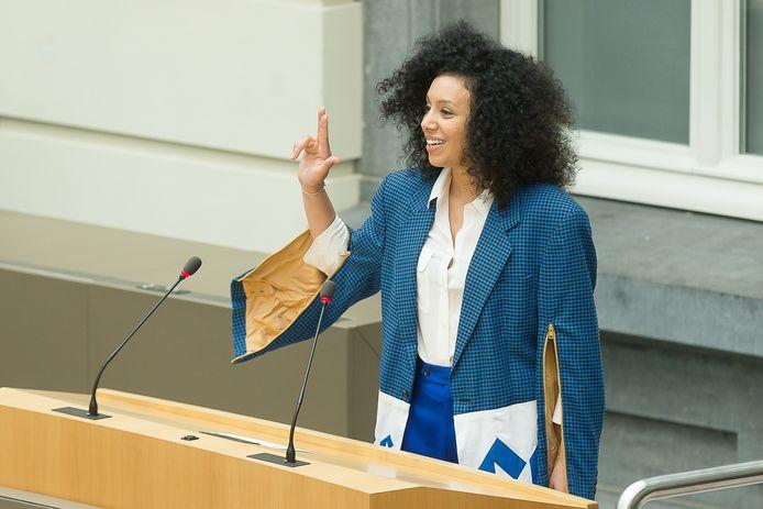 Sihame El Kaouakibi bij haar eedaflegging in het Vlaams parlement op 18 juni 2019.