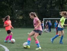 Voetbalclubs willen graag meiden, ook voor de sfeer