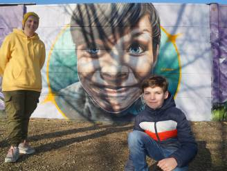 """Djoels vereeuwigt Kyan (11) op graffitimuur: """"Ik heb veel leuke foto's gekregen, maar de foto van Kyan sprong er eigenlijk meteen uit"""""""