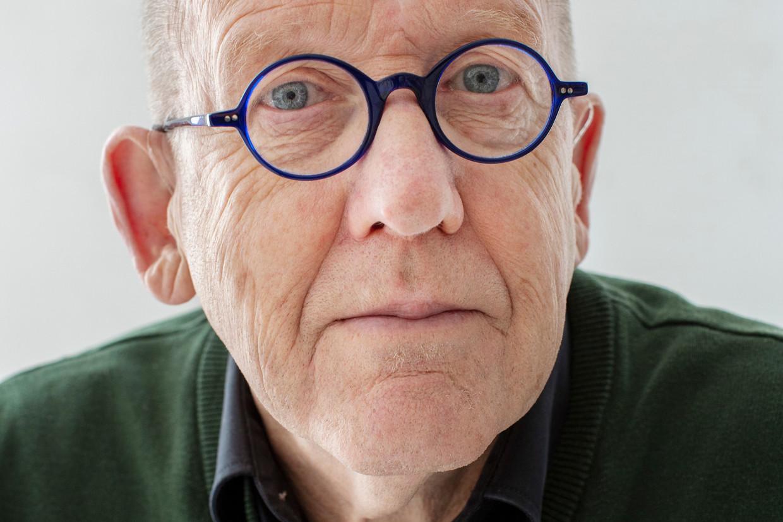 Kees 't Hart: 'Bij Vestdijk kun je tranen met tuiten huilen'.
