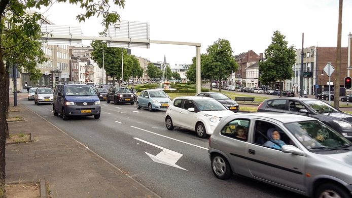 De Arnhemse Centrumring ter hoogte van de Jansbuitensingel.
