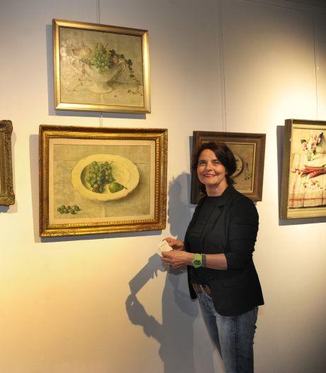 Schilder Lucie van Dam zag de schoonheid van Veere, én van onkruid