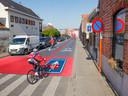 Het begin van de Kloosterstraat in Geluwe: daar start de fietszone.