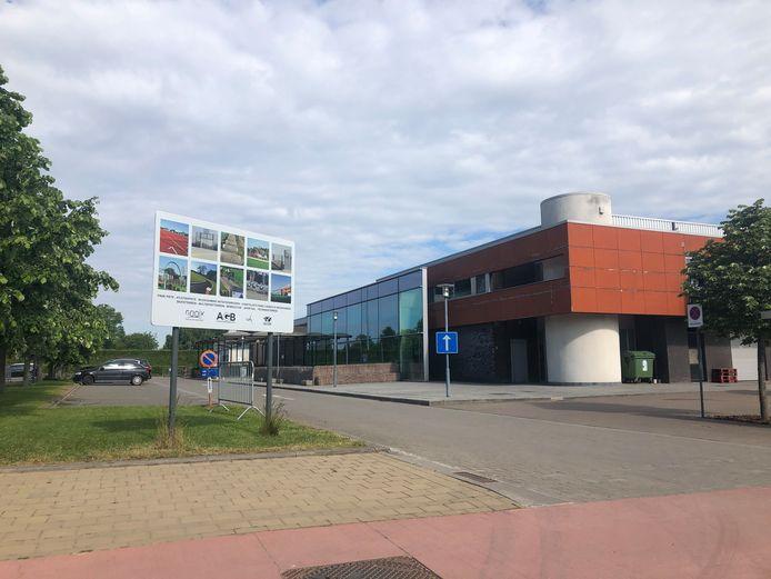 Onder meer in Sporthal Koornmolen in Gooik kunnen inwoners terecht voor hun vaccinatie.