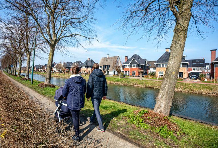 Prijzige vrijstaande woningen aan de Leidsche Rijn in De Meern (Utrecht). Beeld Raymond Rutting / de Volkskrant