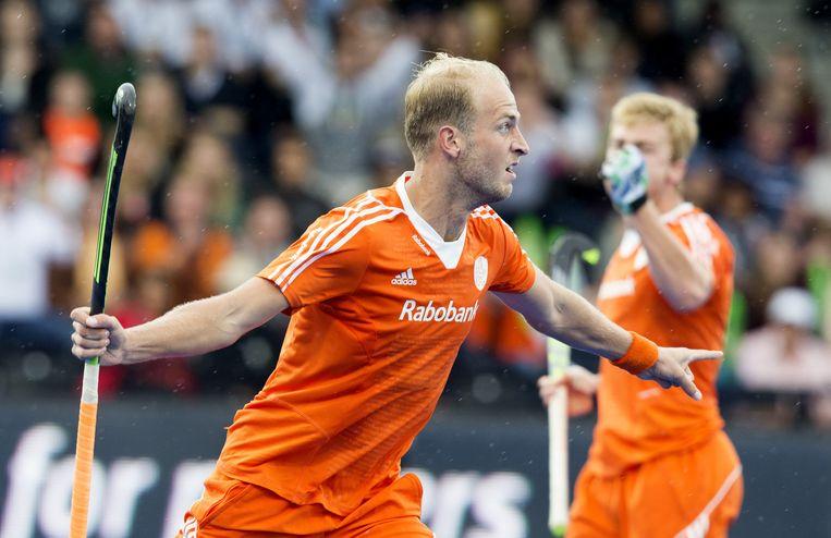 Billy Bakker zet Nederland op 1-0 in de finale tegen Duitsland. Beeld anp