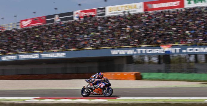 Motorcoureur Michael van der Mark tijdens een eerdere race van het WK Superbike op het TT Circuit. In tien optredens stond hij zeven keer op het podium.