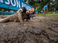 Na bijzondere corona-editie is Mud Masters in Biddinghuizen weer als vanouds: 'Deelnemers bleven lang hangen, ze hebben er behoefte aan'