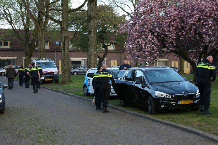 Politieagenten waren in groten getale aanwezig.