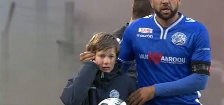 Vuurwerkbom en rellen bij FC Den Bosch - FC Dordrecht: zestien stadionverboden