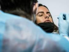LIVE | 4727 nieuwe besmettingen, kabinet hoopt dat we deze zomer weer volop op vakantie kunnen