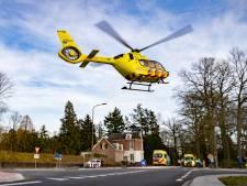 Wielrenner geschept op beruchte kruising in Gorssel, slachtoffer met traumahelikopter mee
