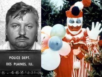 Vind je de clown uit 'IT' griezelig? Dit is het echte verhaal van 'Killer Clown' John Wayne Gacy, die 33 jongens afslachtte