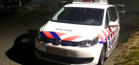 Agent gewond na botsing met politiewagen