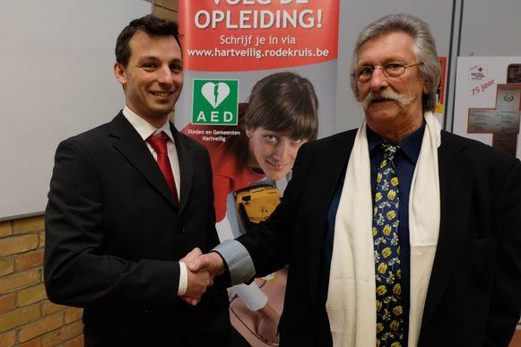 Nicolas Vaes neemt het voorzitterschap van Rode Kruis Willebroek over van Theo Schaerlaecken.