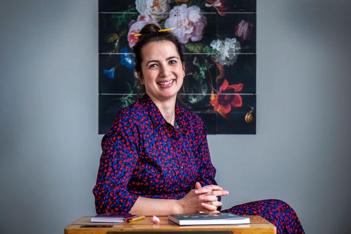 Naomi Smits, schrijfster van het boek Juf Naomi klapt uit de school.
