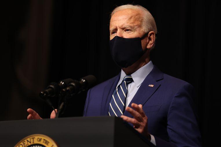 De Amerikaanse president Joe Biden had al bij zijn aantreden aangekondigd hard te zullen optreden tegen medewerkers die anderen kleineren of niet met respect behandelen. Beeld EPA