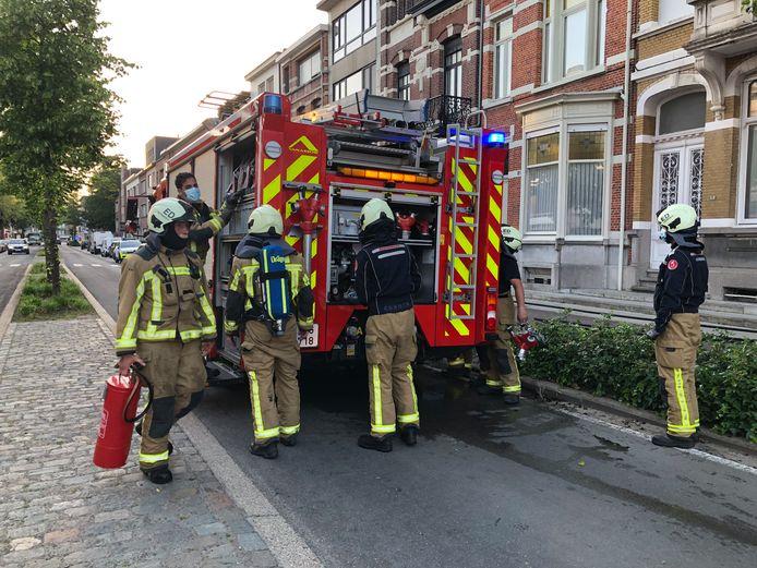 In de Edegemsestraat 85 in Mortsel is op de vierde verdieping een bloembak in brand geschoten door een sigaret. De brand werd al door de bewoner geblust voor de brandweer aankwam.