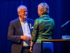 PEC Zwolle-voorzitter Adriaan Visser bij afscheid koninklijk onderscheiden en benoemd tot erevoorzitter