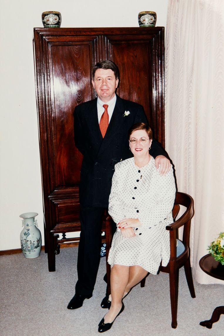 De échte Herman Knippenberg met zijn Nieuw-Zeelandse vrouw. Hij stuurde de foto als kerstkaartje naar Paul Siemons en Nadine. Beeld Photo News
