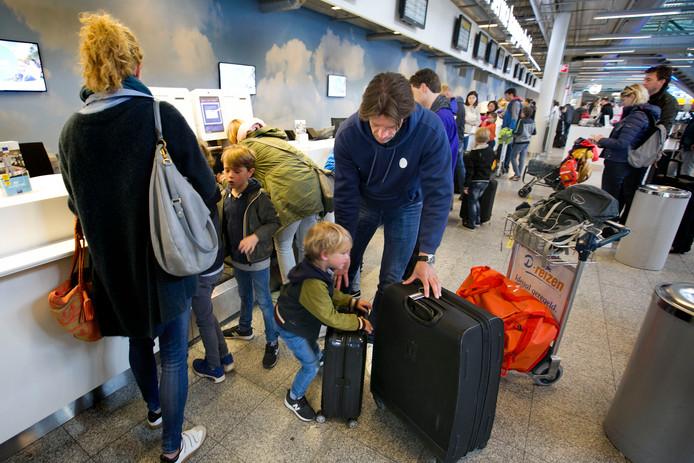 Groei van Eindhoven Airport moet verdiend worden door stiller en schoner vliegen.
