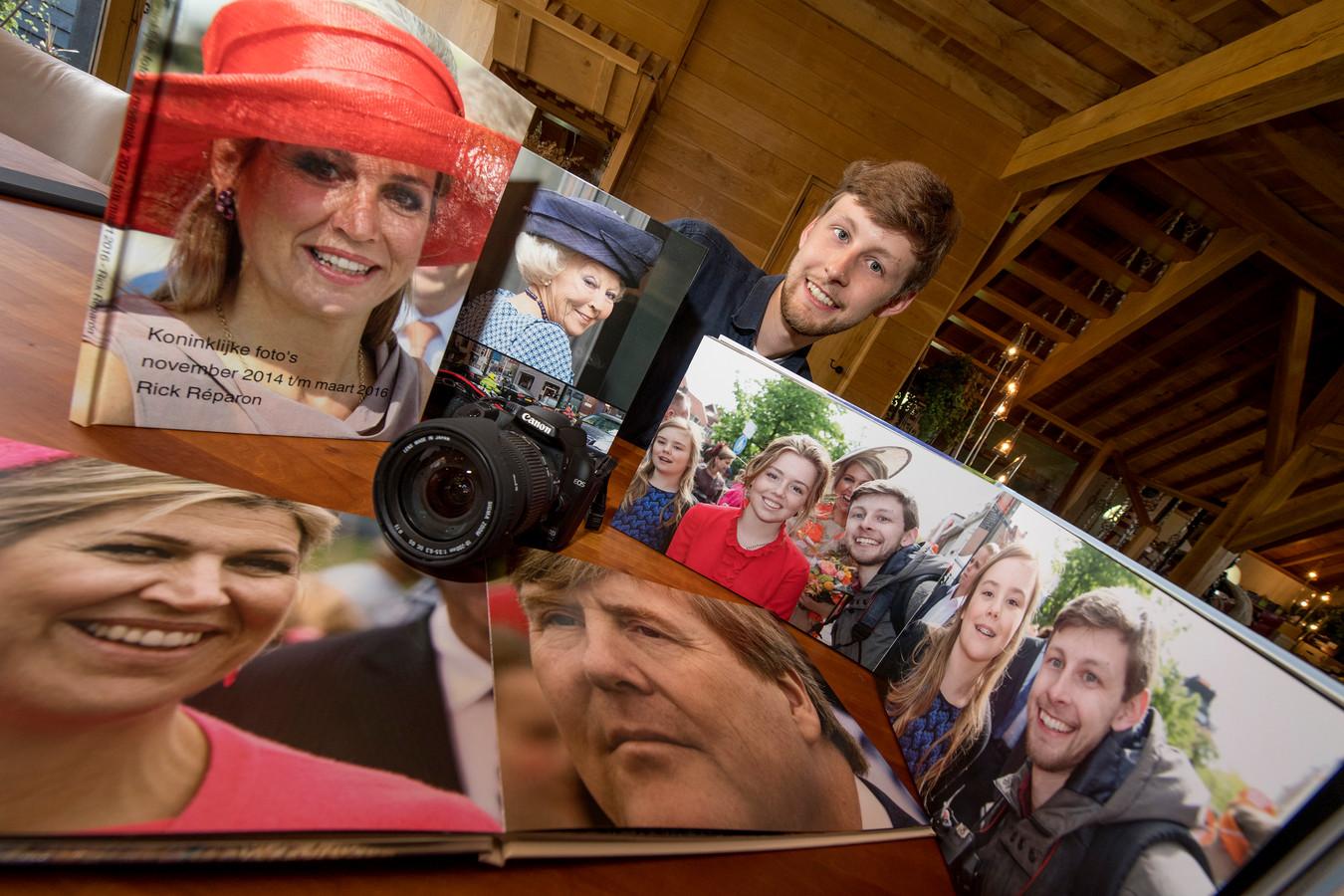 Fotograaf Rick Reparon met een selectie van zijn royalty foto's.
