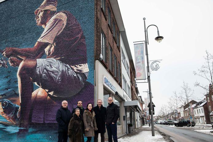 Blinde gevels versieren met graffiti dragen voor handelaars, bewoners en de stad bij tot méér beleving in de Stalenstraat.