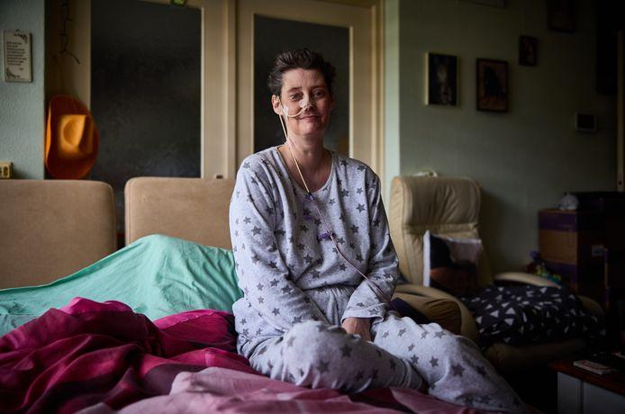 Marleen Pegels is terminaal ziek, maar droomt ervan om nog eens mooi opgemaakt in een trouwjurk op de foto te gaan.