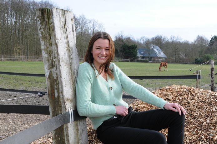 Jeske Bouwman heeft bijna al haar paarden verkocht om zich te storten op een totaal andere carrière: ze gaat als multisysteem therapeut werken met jongeren met ernstige gedragsproblemen.