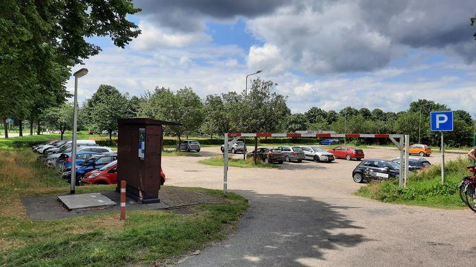 Het parkeerterrein aan de Witteweg in Middelaar is in beeld voor tiny houses.