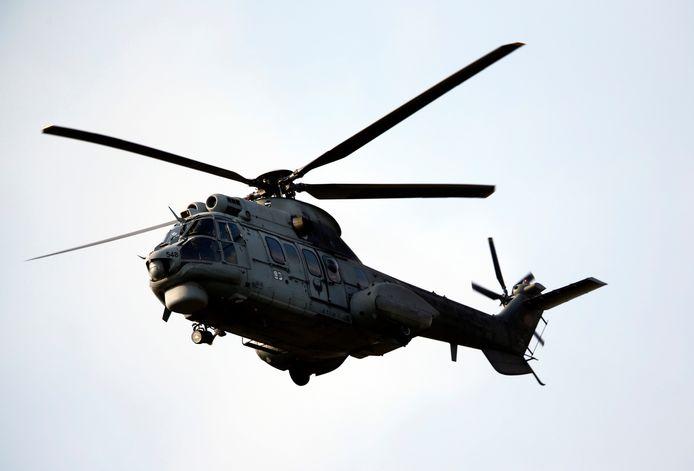 Een Turkse Cougar-helikopter