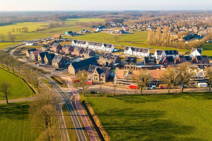 Woningbouw op boerenland, zoals in woonwijk De Bulders in Heeze, is onvermijdelijk om aan de opdracht te voldoen om vóór 2030 een miljoen woningen in Nederland te bouwen.