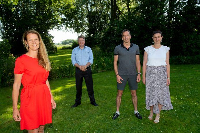 Van links af Mathilda Groeneveld, Jan Blankespoor, Wilco Hekkert en Gradi van Ittersum nemen het initiatief om lokaal oplossingen te vinden voor de energietransitie.