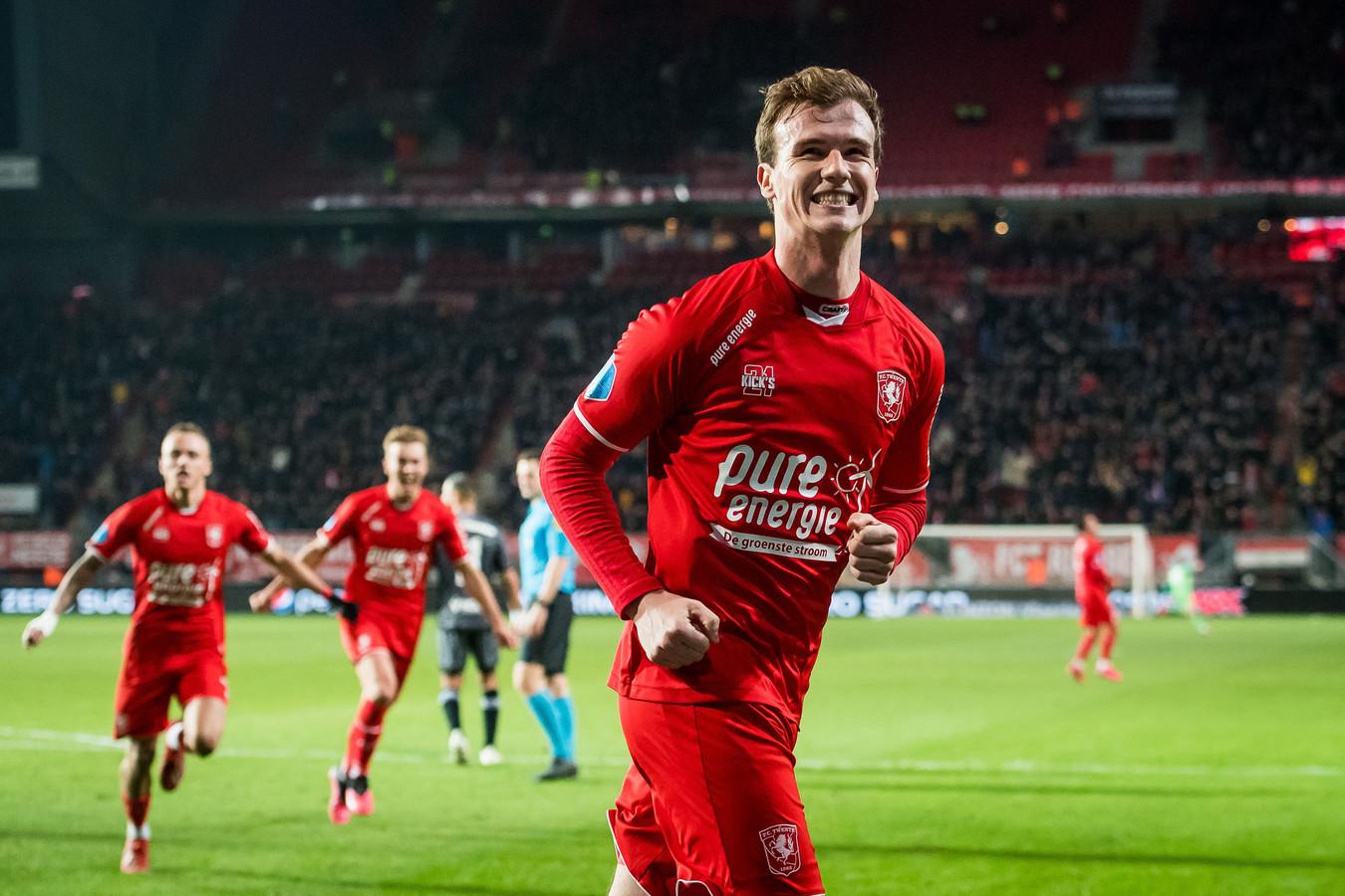 Peet Bijen wil het liefst ook volgend seizoen bij FC Twente spelen.