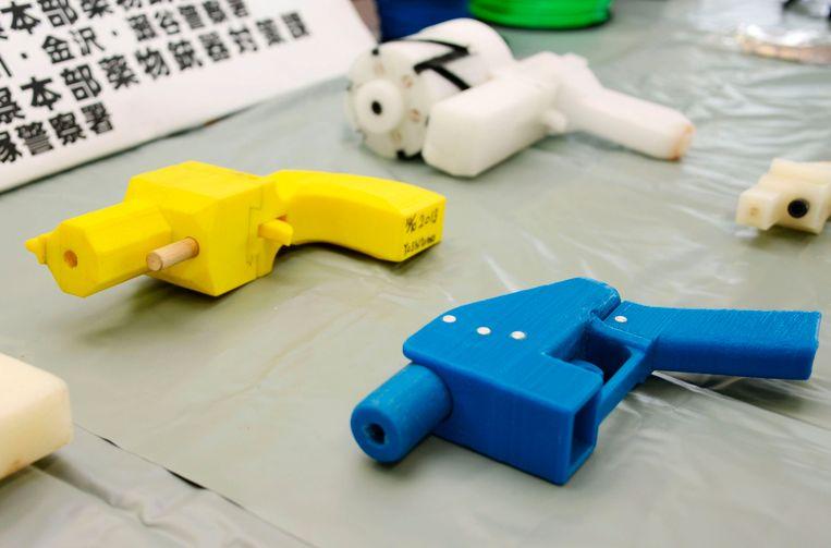 in beslag genomen pistolen, gemaakt met behulp van een 3D-printer, in Kanagawa in japan. Beeld REUTERS