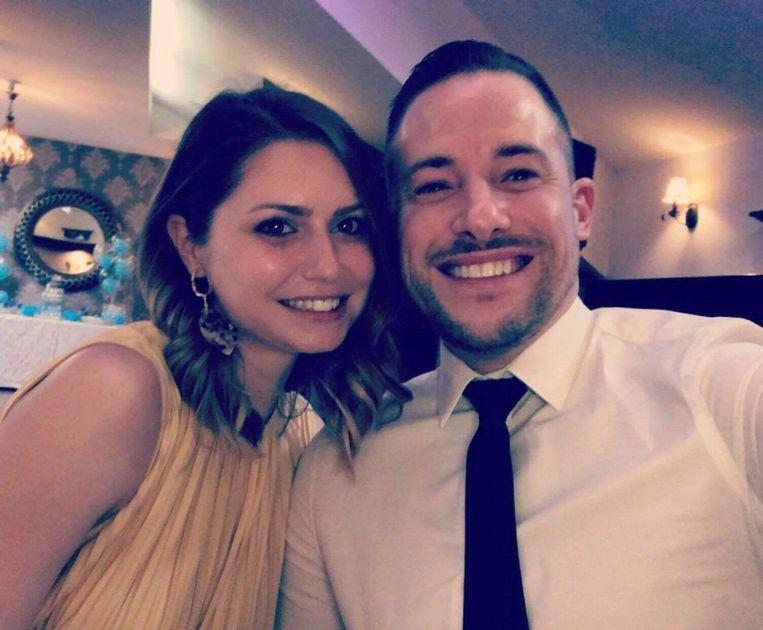 """Dariana Palcau (30) was al een jaar samen met John De Smet (35), die niet lang moet nadenken hoe hij zijn geliefde het best kan omschrijven: """"De perfecte vrouw."""""""