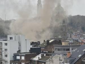 """Une voisine du lieu de l'explosion à Liège témoigne: """"Il y avait un monsieur avec les jambes en sang"""""""