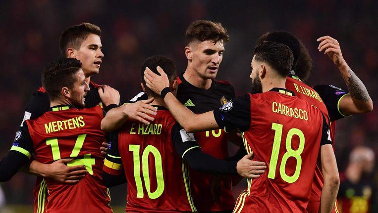 De Belgische internationals vieren de 1-0 tegen Estland. Beeld null